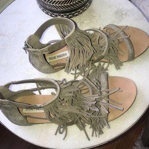 Steve Madden size 9.5 fringe flat sandal